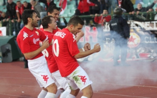 ЦСКА показа класа и надви Левски, Гонзо нахлу на терена в края на мача Img_52189