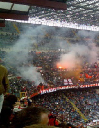 Милан триумфира в  дербито