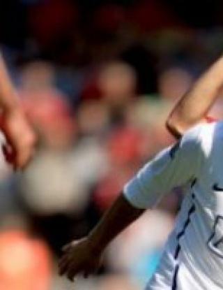 Юнайтед загуби при дебюта на Бербатов