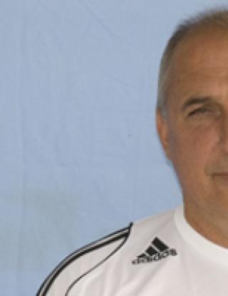 Треньорът на Локо Мз: Надявам се кризата в Левски да продължи