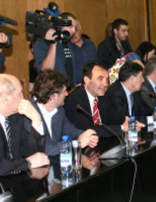 Боби Михайлов шеф на футбола ни поне до януари