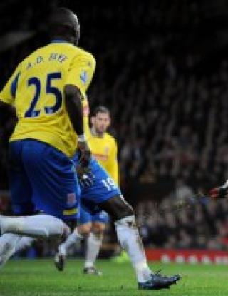 Бербо с гол при разгром над Сток Сити, Роналдо мина границата от 100