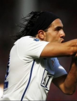 Тевес започна преговори за нов договор с Юнайтед