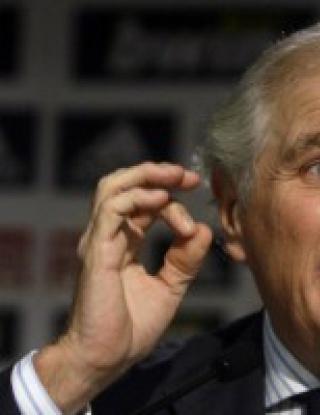 Калдерон: Писна ми от лъжите за Роналдо