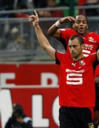 Рен втори във Франция, Лион с първи успех от пет мача