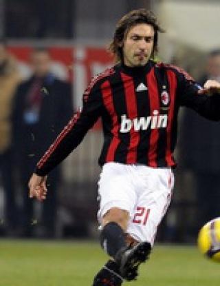 Милан вкара пет преди Коледа