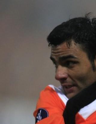 Реми за Литекс с узбеките на Ривалдо, ЦСКА не игра заради проливен дъжд