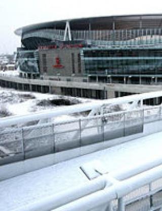 Отложиха мач на Арсенал за ФА Къп, Аршавин стои заради сняг