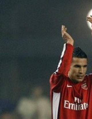 Ван Перси иска да печели трофеи, парите в Арсенал били добри