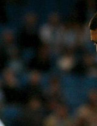 Марк Хюз излиза в УЕФА с Божинов и Робиньо