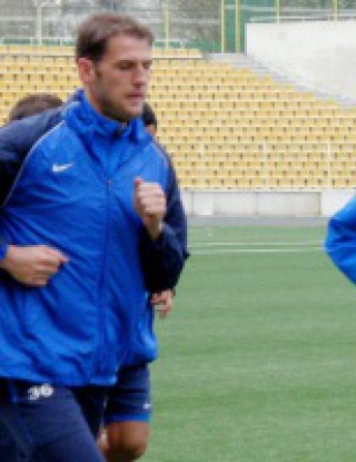 Собственикът на Черноморец тренира с тима