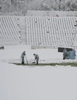 Отлагат мачове в Англия заради снега