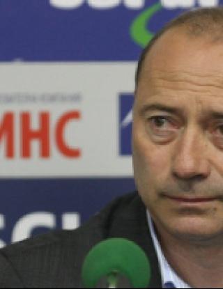 Велев: Не знам Мирянов как измисли тази дузпа