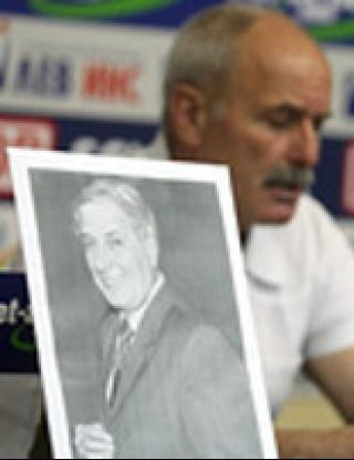 Бончо Дунев отдаде почит на легендата Ричард Груев