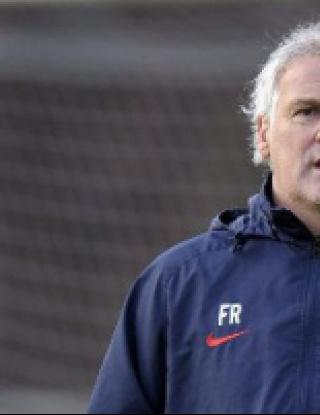 Треньорът на Манолев си тръгва в края на сезона