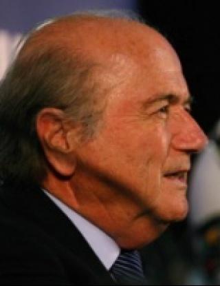 Блатер се извини на Бразилия, иска среща с Дилма Русеф