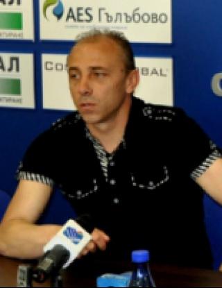Илиан Илиев ще води за последно Берое срещу Черно море