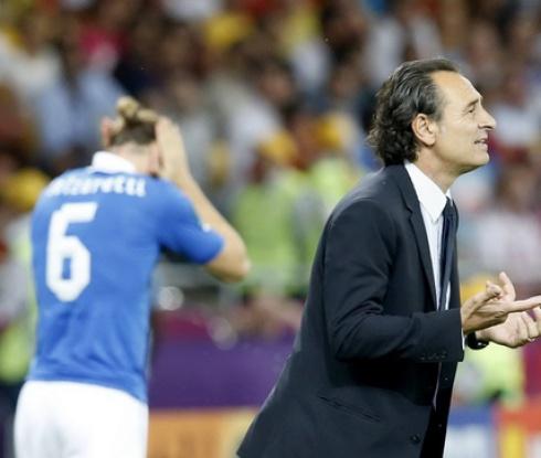 Тактическата наивност на Прандели провали Италия