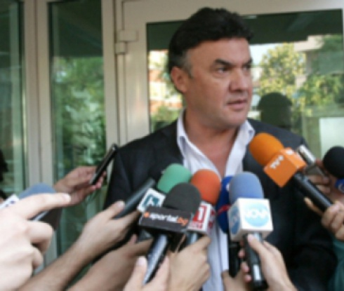 Михайлов: УЕФА ще решава за Евро 2020 през март