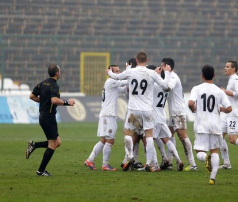 Все още няма договорен мач между Славия и Славия Прага