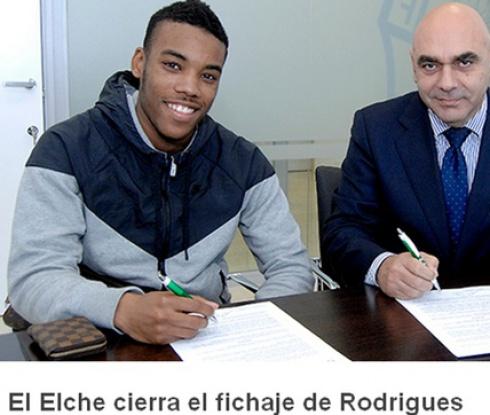 Официално: Гари Родригес подписа с Елче