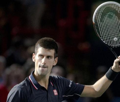 Джокович загуби сет, но е на финал в Лондон