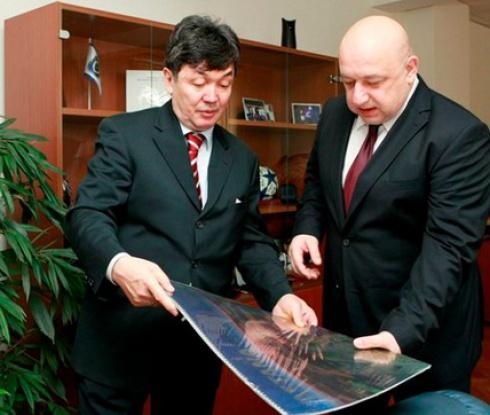 Кралев кани Казахстан да инвестира в наши бази