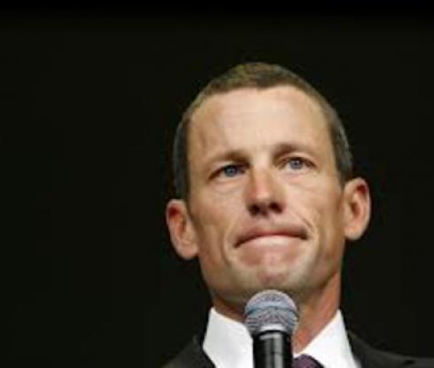 Искат от Армстронг да върне 10 млн. долара