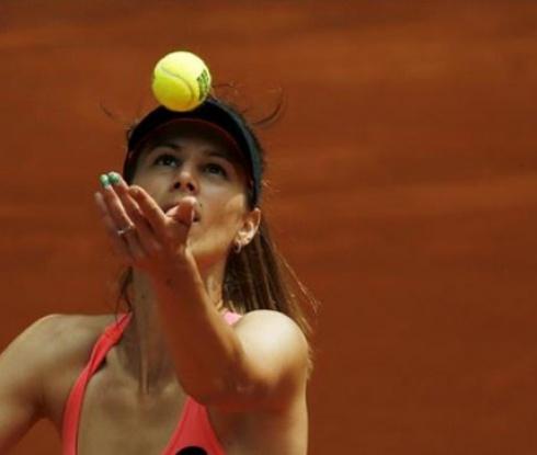 За първи път в кариерата си Пиронкова се класира за третия кръг на Ролан Гарос