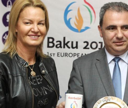 """Представиха официалните облекла за """"Баку 2015"""""""