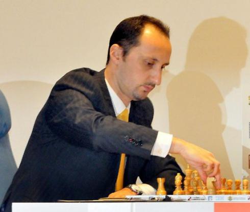 Топалов започна с победа в Ставангер