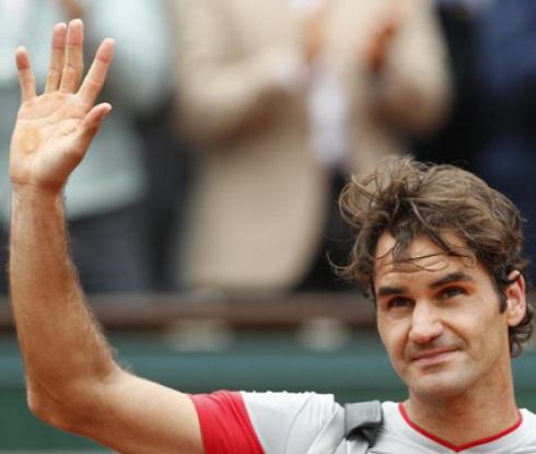 Федерер показа магия и надви лесно Куери (видео)
