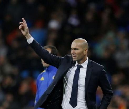 Зидан взе синовете си Енцо и Лука за турнето на Реал в Монреал