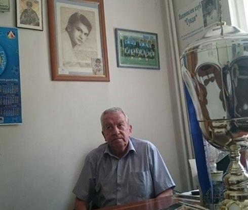 Костов: Играчите на Левски да вярват в себе си