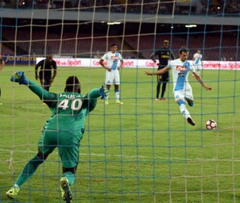 Наполи унижи Монако с 5:0, Габиадини вкара четири (видео)