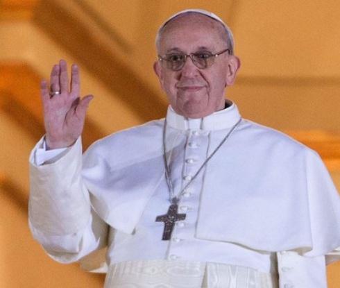 Мач на папата събра Марадона, Тоти и Роналдиньо (видео)