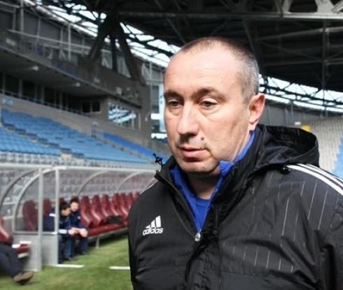 Мъри Стоилов ще строи футболна база