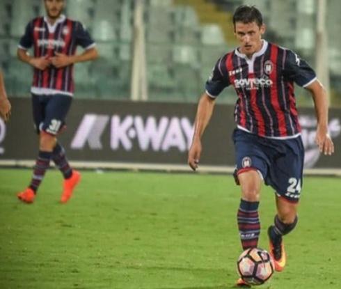 Национал подписа с четвъртия в Серия Б