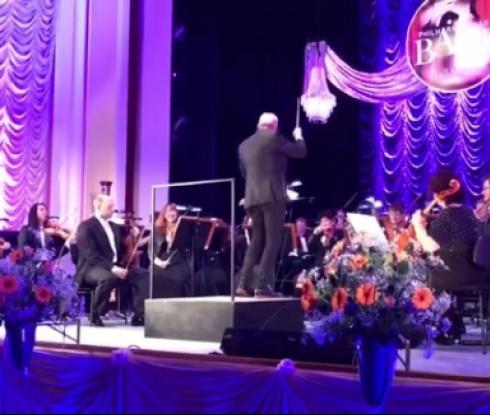 Български треньор стана диригент в Германия (видео)