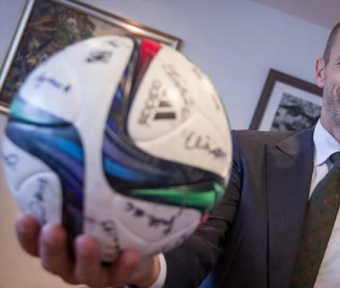 УЕФА за политиката на Тръмп: САЩ не може да приеме Световното първенство през 2026 г.