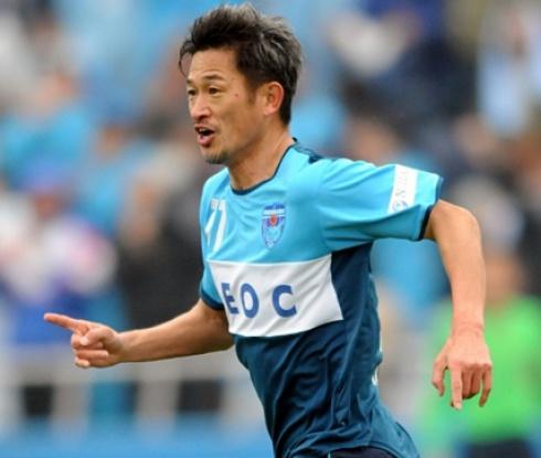 Японска легенда подобри рекорда за най-възрастен професионален футболист