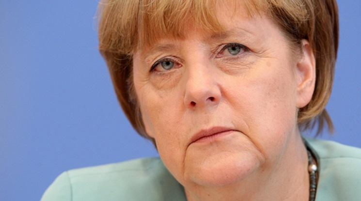 Меркел била ужасена от бомбената атака в Дортмунд