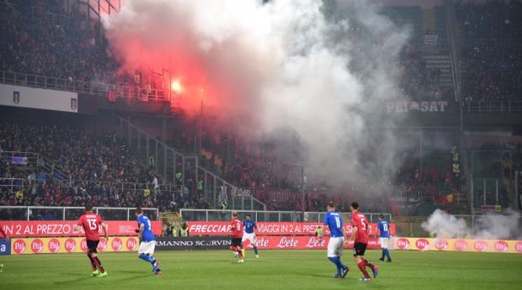 ФИФА глоби солено Албания заради феновете