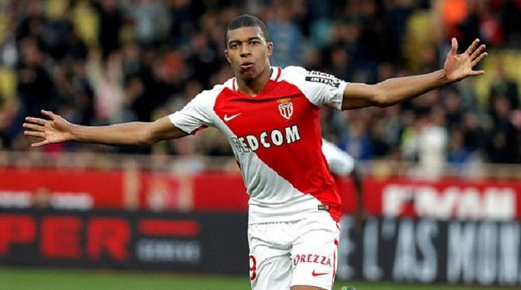 В Монако убеждават Мбапе да подпише с Реал