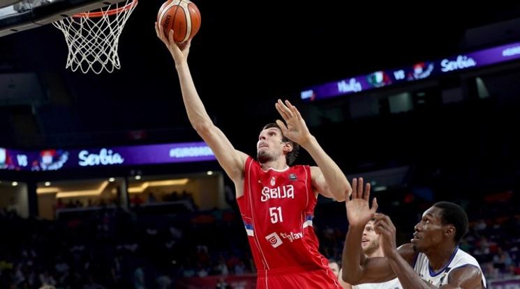 Сърбия се класира за 1/2-финалите на Евробаскет