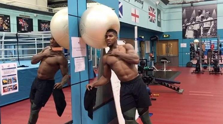 Бруталната тренировка на Джошуа (видео)
