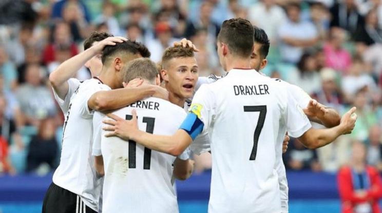 Германия отнесе глоба и предупреждение от ФИФА