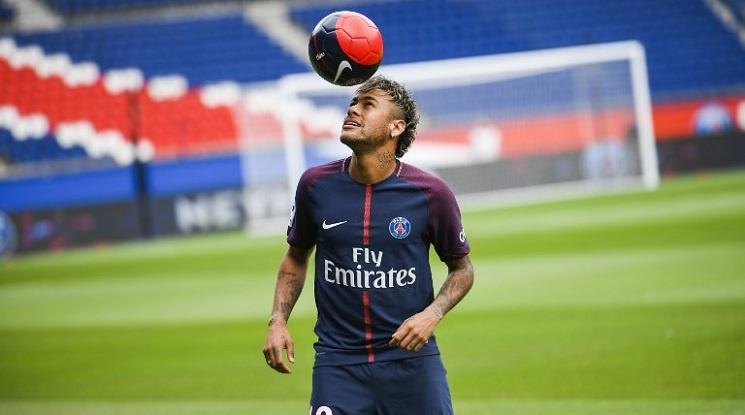 Неймар поиска УЕФА да извади Барса от Шампионска лига