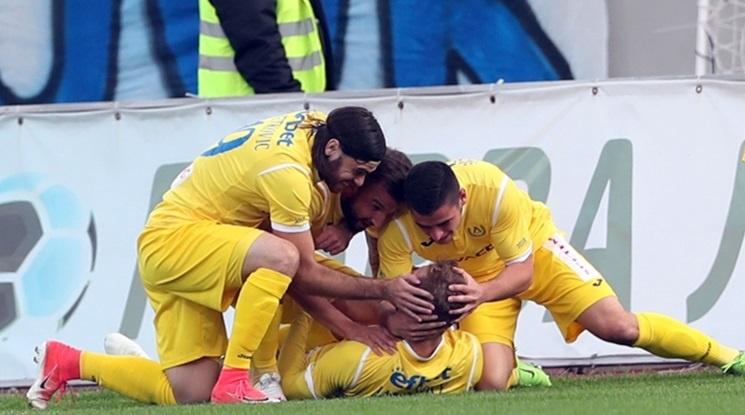 Ранен гол донесе три точки за Левски във Велико Търново (видео)