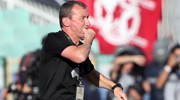 Белчев: Подведохме се по играта на Левски
